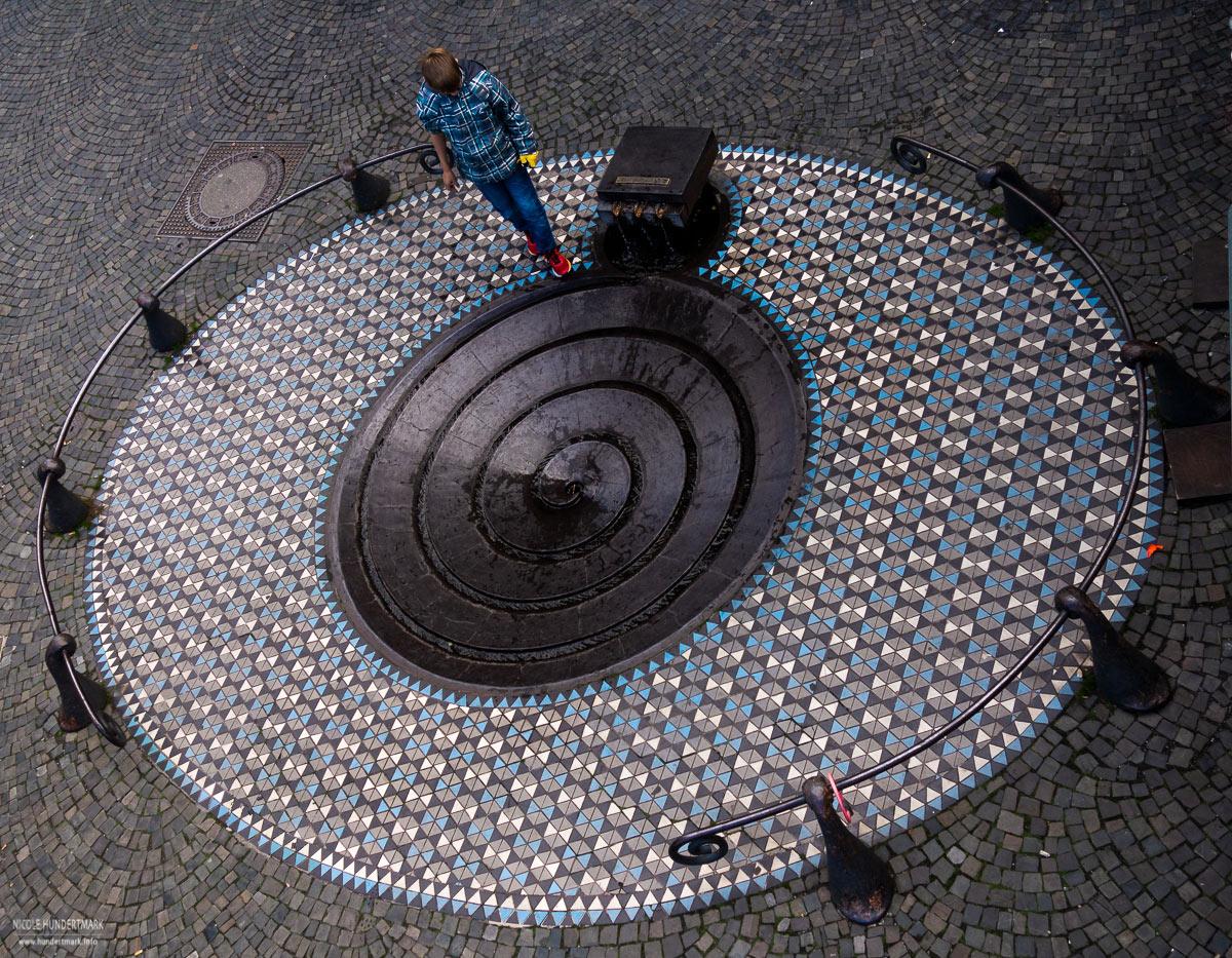 Der schöne Taubenbrunnen in Köln fotografiert von Nicole Hundertmark